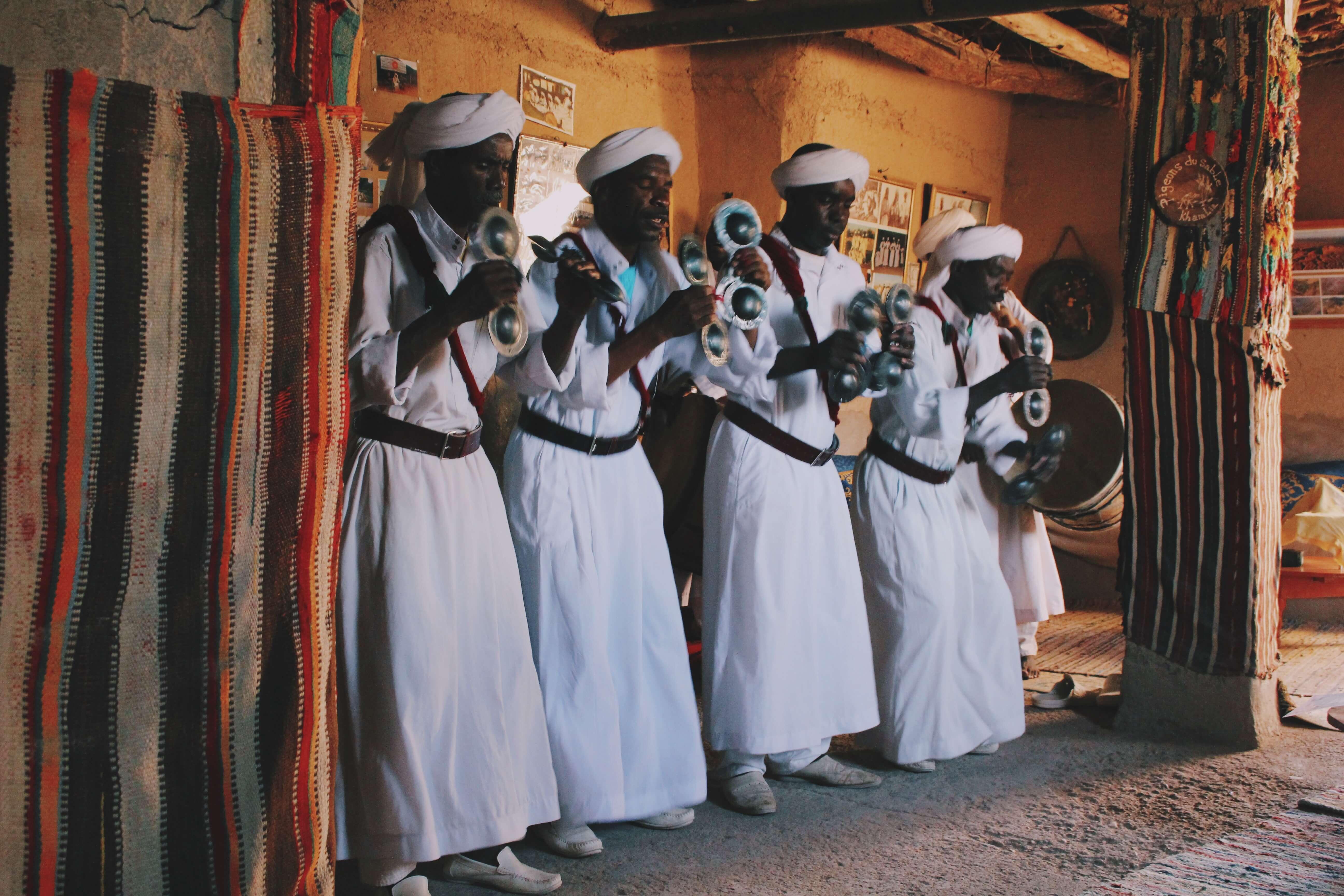 Vamos Bitchachos Morocco desert Sahara tour